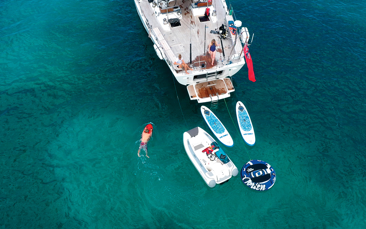 oyster-825-champagne-hippy-water-toys-credit-oysterluxurycharters