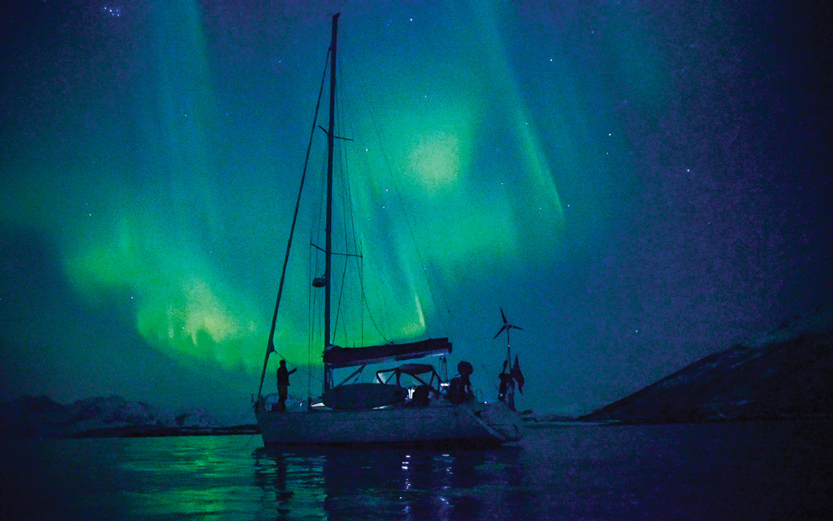 barba-project-freediving-norway-northern-lights-credit-David-Gonzalez-Buendia