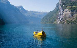 Lifeboat-refit-Stodig-running-shot-credit-Sunflare