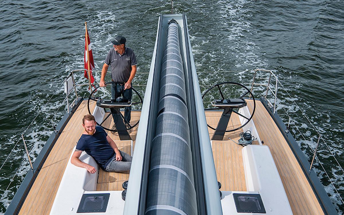 in-boom-furling-sailing-technology-Furlerboom-installation