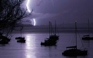lightning-strikes-yacht-credit-Image-Reality-Alamy