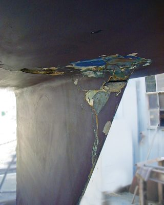 lightning-strikes-yacht-keel-damage-credit-GEICO-Boat-US-Marine-Insurance