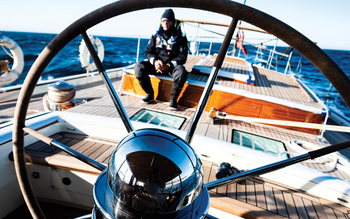 magellan-strait-superyacht-pumula-cruise-helm-close-up-credit-Pepo-Subiranas
