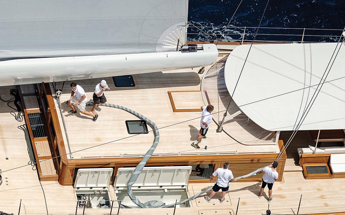 modern-classic-royal-huisman-superyacht-aquarius-crew-credit-Carlo-Baroncini