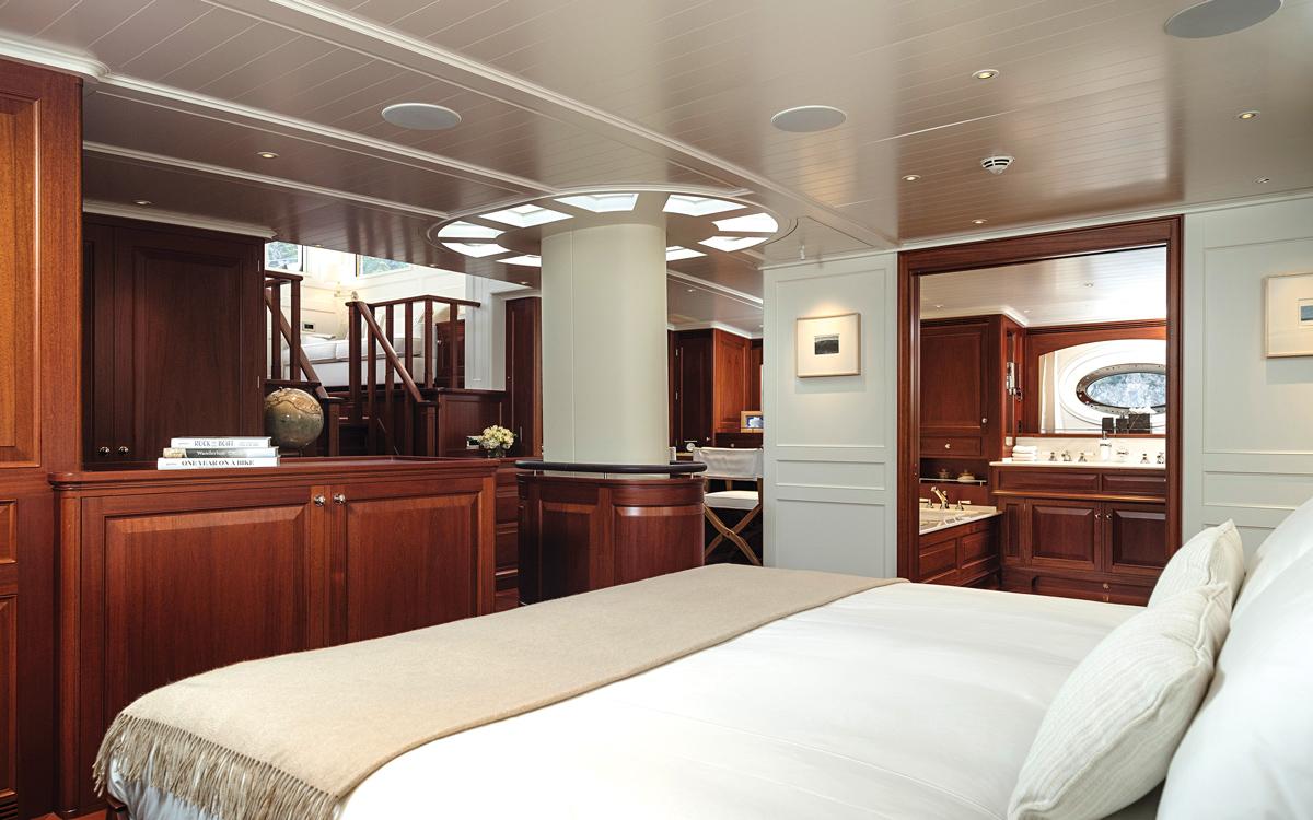 modern-classic-royal-huisman-superyacht-aquarius-owners-cabin-credit-Carlo-Baroncini