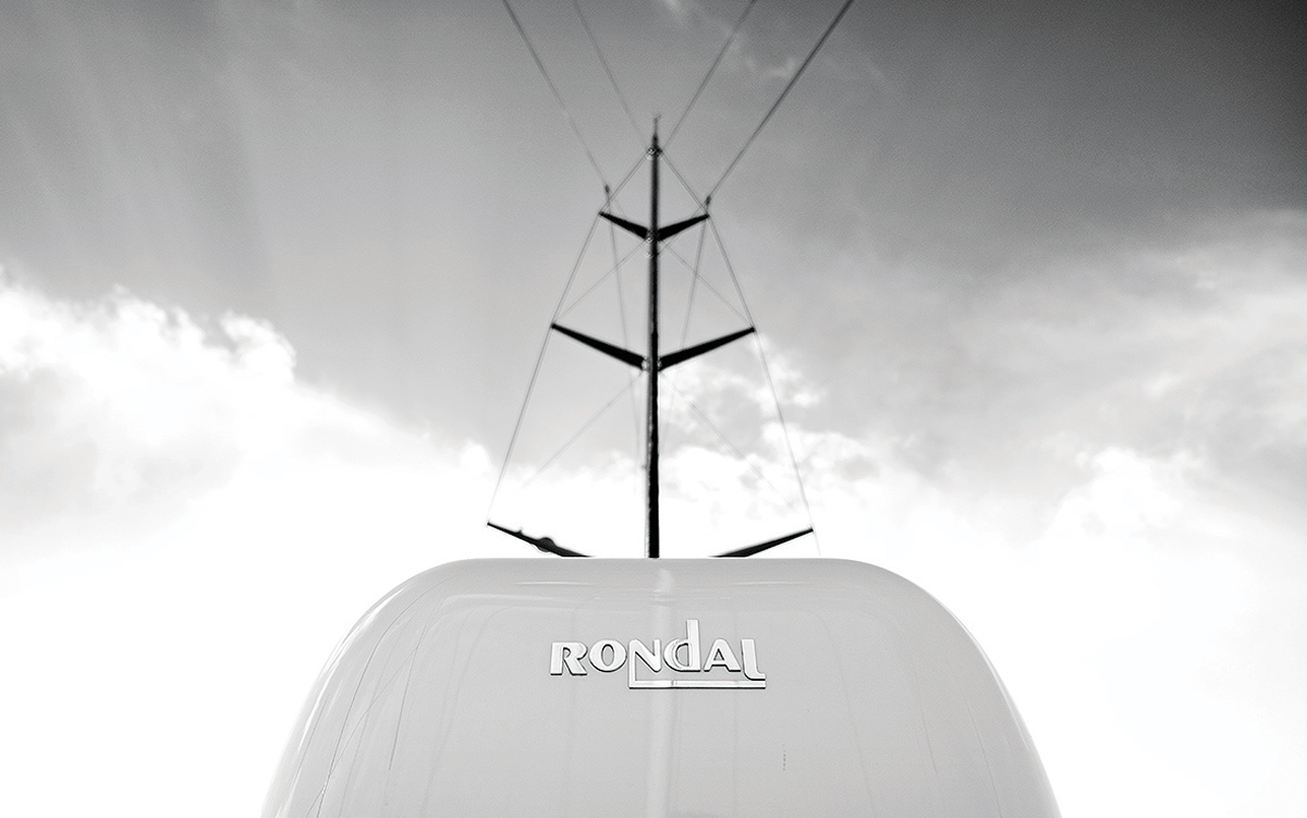 modern-classic-royal-huisman-superyacht-aquarius-rondal-rig-credit-Carlo-Baroncini
