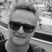 sailing-hong-kong-Cameron-Dueck-bw-headshot-600px-square