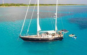 world-cruisers-lockdown-sailing-steel-sapphire-maldives-quarantine-credit-Peter-Bernard