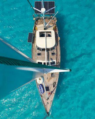 world-cruisers-lockdown-sailing-steel-sapphire-maldives-quarantine-mast-view-credit-Peter-Bernard