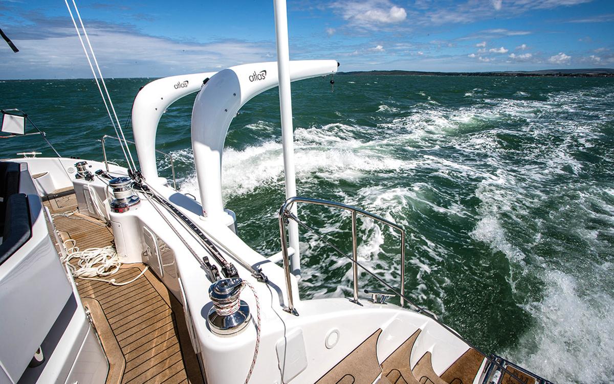 Discovery-Bluewater-50-catamaran-test-davits-davits-credit-Richard-Langdon-Ocean-Images