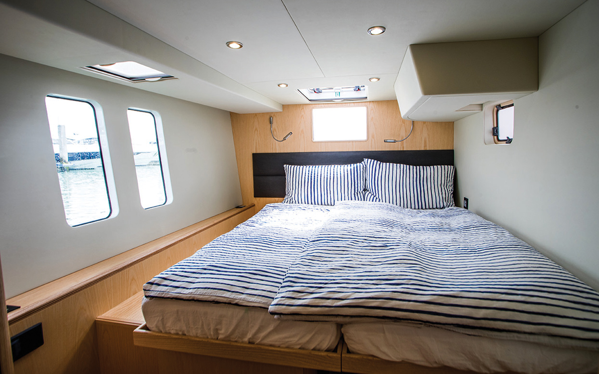 Discovery-Bluewater-50-catamaran-boat-test-guest-cabin-credit-Richard-Langdon-Ocean-Images