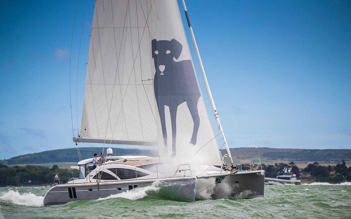 Bluewater 50 | Ce catamaran britannique pourrait séduire les puristes du monocoque