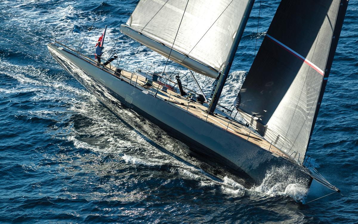 Wallycento-superyacht-Tango-bow-running-shot-credit-Wally-Gilles-Martin-Raget