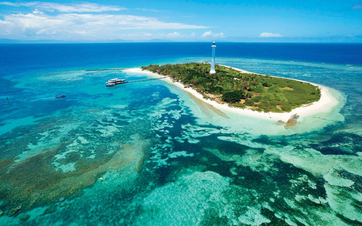 Voile spectaculaire autour des îles du Pacifique de Nouvelle-Calédonie