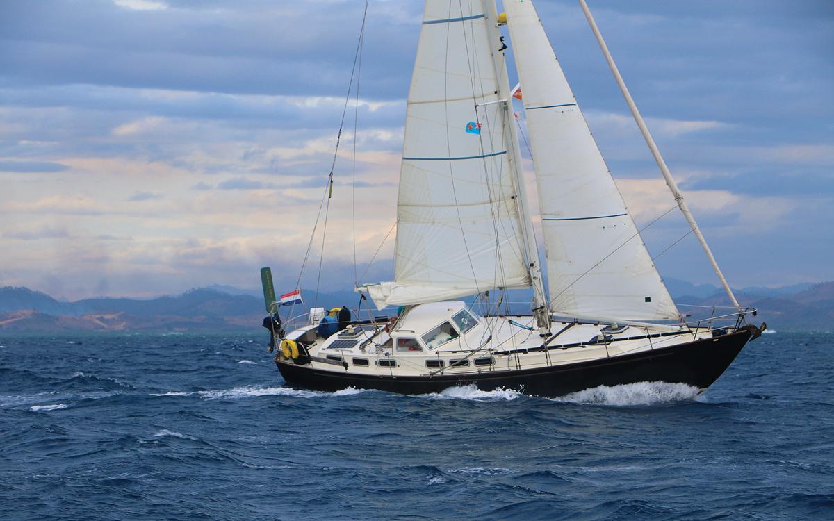 cruising-new-caledonia-pacific-islands-anna-caroline-bruce-roberts-44-sailing-upwind-credit-Janneke-Kuysters-Wietze-Van-Der-Laan