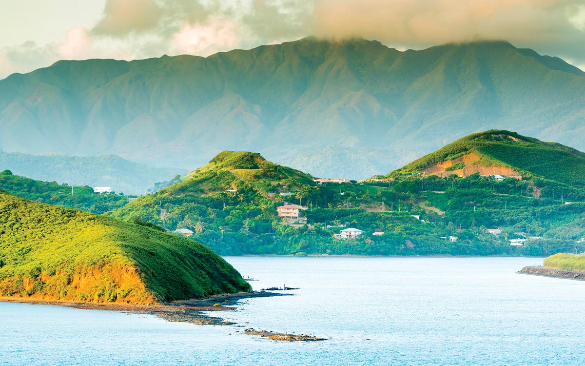 cruising-new-caledonia-pacific-islands-mountains-credit-Tim-Hester-EyeEm-Getty