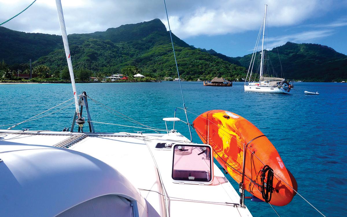 pacific-sailing-homeschooling-World-ARC2019-fountaine-pajot-saba-50-catamaran-RAID-foredeck-Society-Islands-Huahine