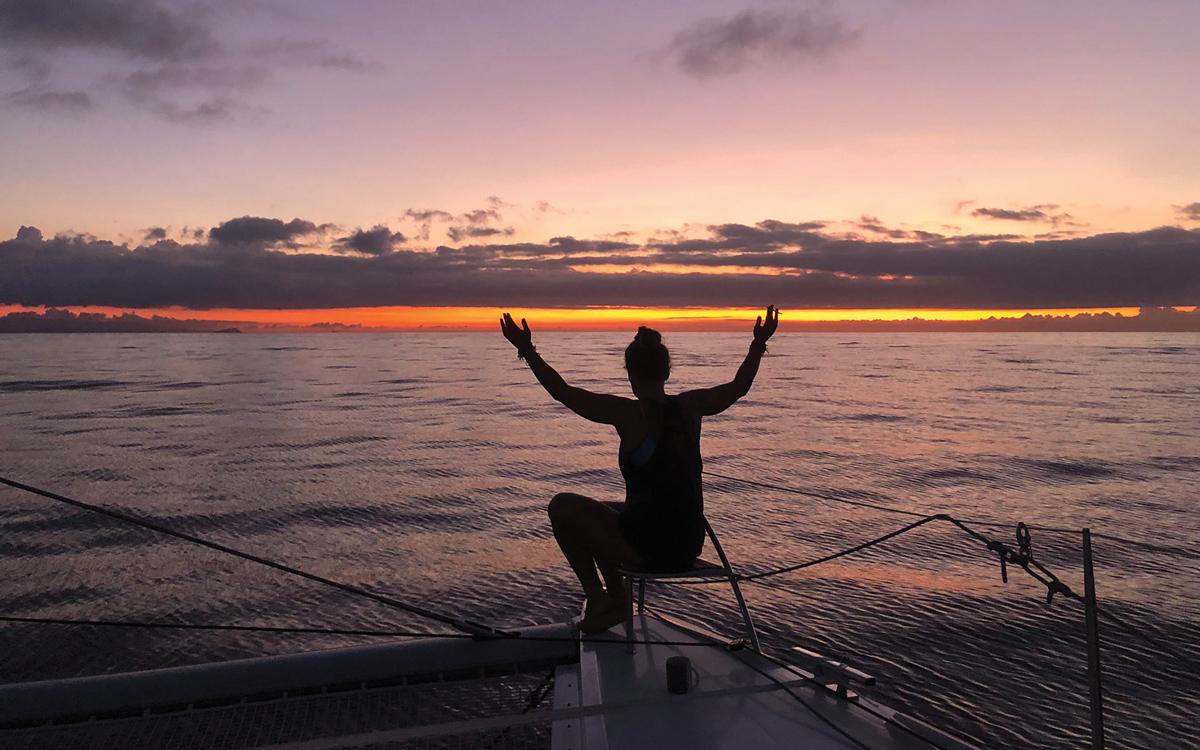 pacific-sailing-homeschooling-World-ARC2019-sunset