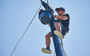 replacing-rigging-arc-2017-rigger-mast-credit-James-Mitchell