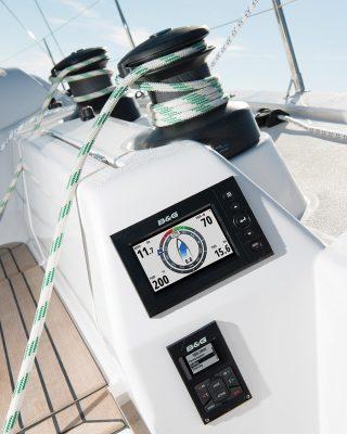 sailing-autopilots-B&G-autopilot-Palma-H5000-graphic-displays