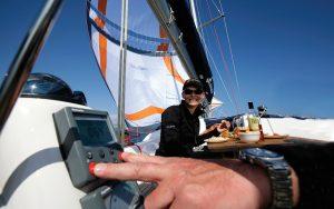 sailing-autopilots-Raymarine-ISTEC-Parasailor-and-Parasail