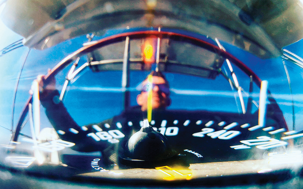 sailing-autopilots-helming-compass-calibration