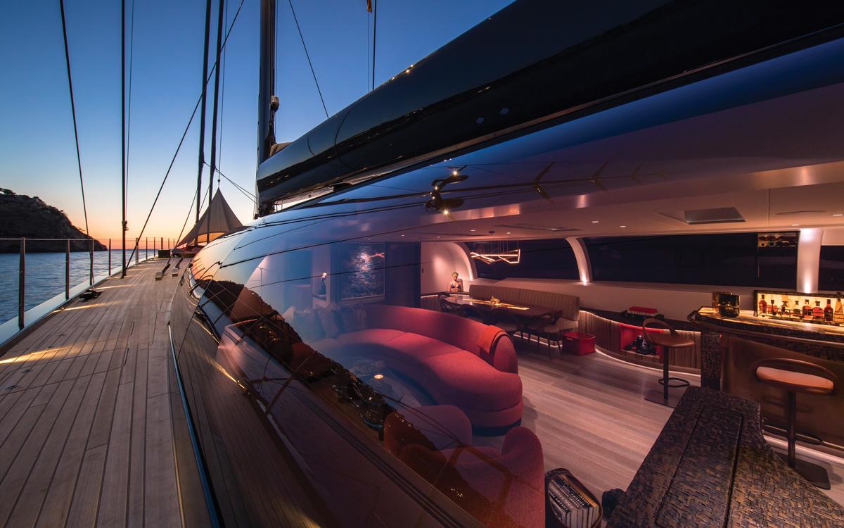 sailing-superyacht-ngoni-dubois-design-side-deck-credit-breed-media