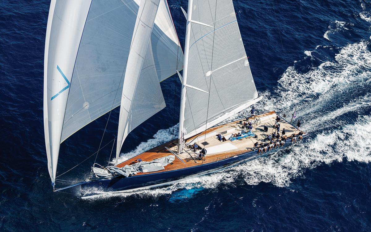 yacht-designer-luca-bassani-Wallycento-2013-Magic-Carpet-3-credit-Nico-Martinez