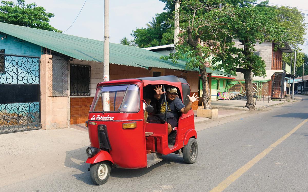 sailing-el-salvador-tuktuk-credit-Suzy-Carmody