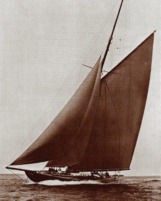 23-metre-racing-cutters-thomas-lipton-shamrock-credit-country-life