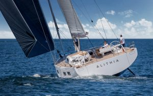 Solaris-80RS-new-yachts-aft-running-shot