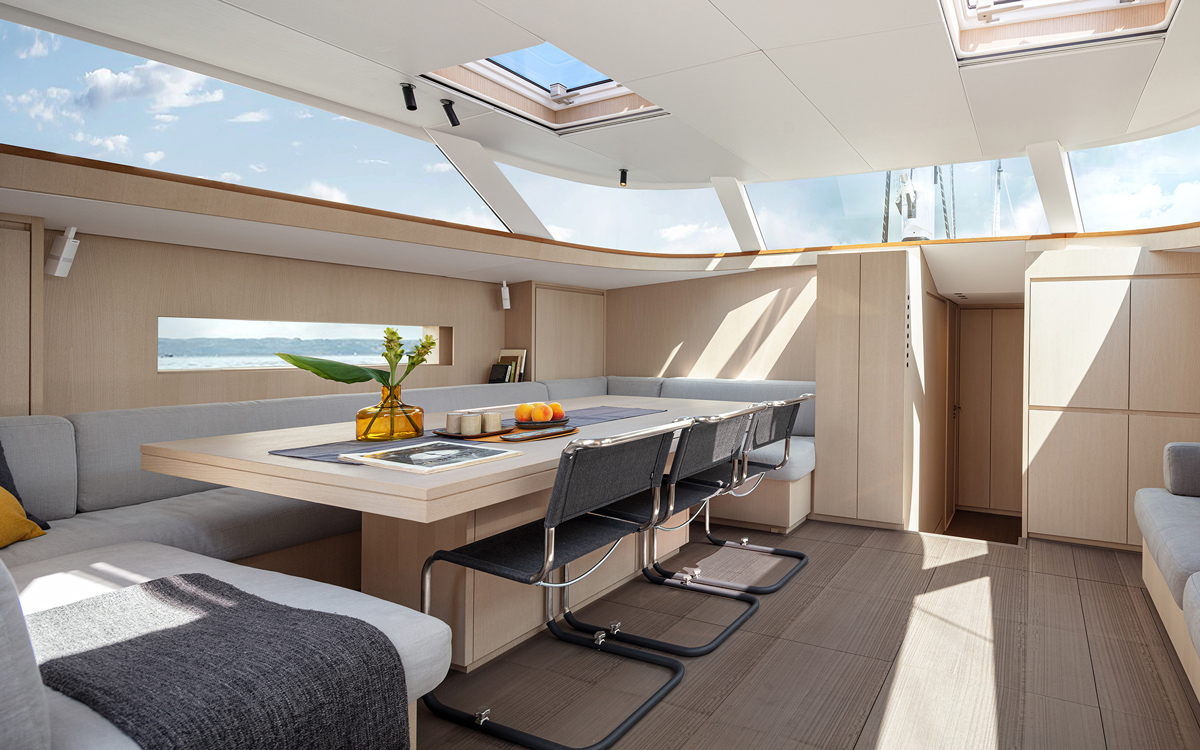 Solaris-80RS-new-yachts-interior-saloon