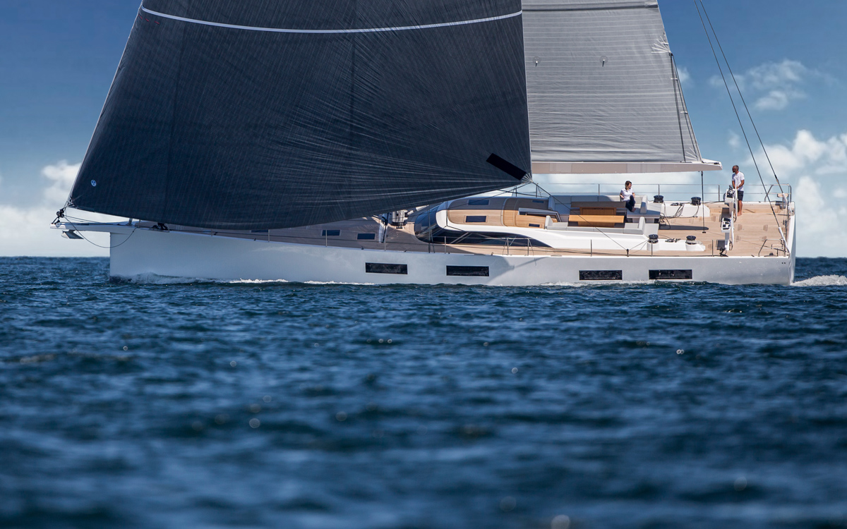 Solaris-80RS-new-yachts-side-view