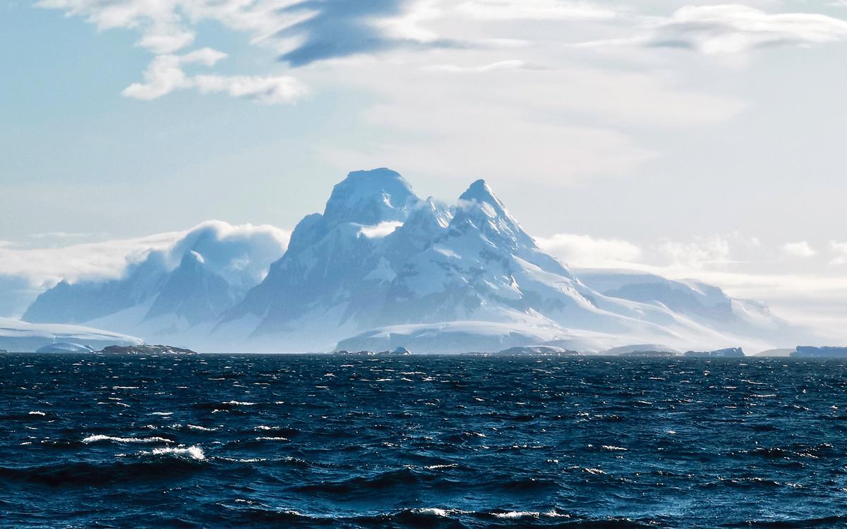 sailing-antarctica-nick-moloney-Anvers-Island