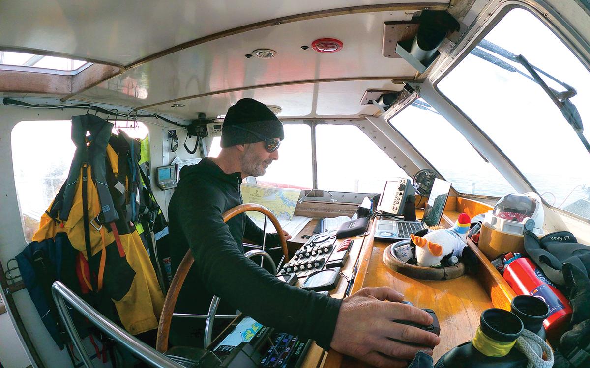 sailing-antarctica-nick-moloney-Ocean-Tramp-ketch-Damian-Foxall-helm