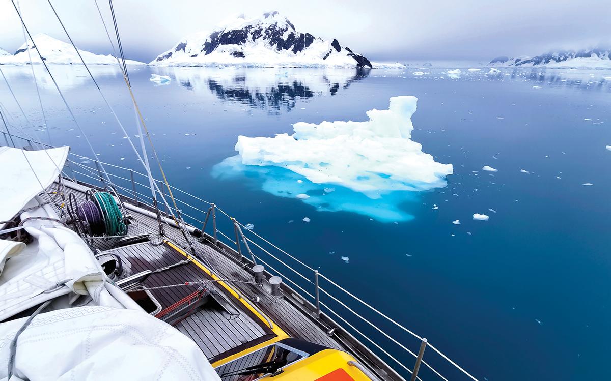 sailing-antarctica-nick-moloney-Ocean-Tramp-ketch-Paradise-Bay-growlers