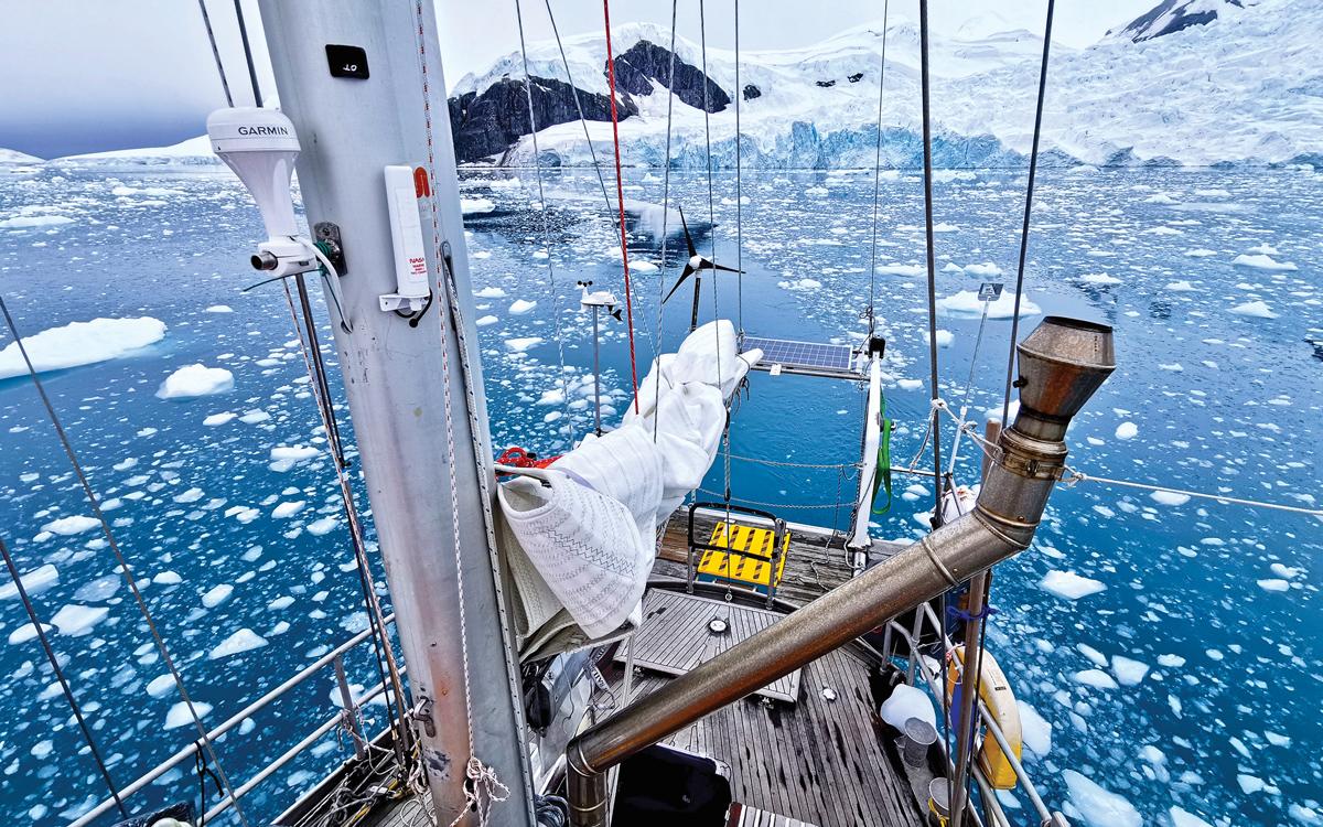 sailing-antarctica-nick-moloney-Ocean-Tramp-ketch-Paradise-Bay