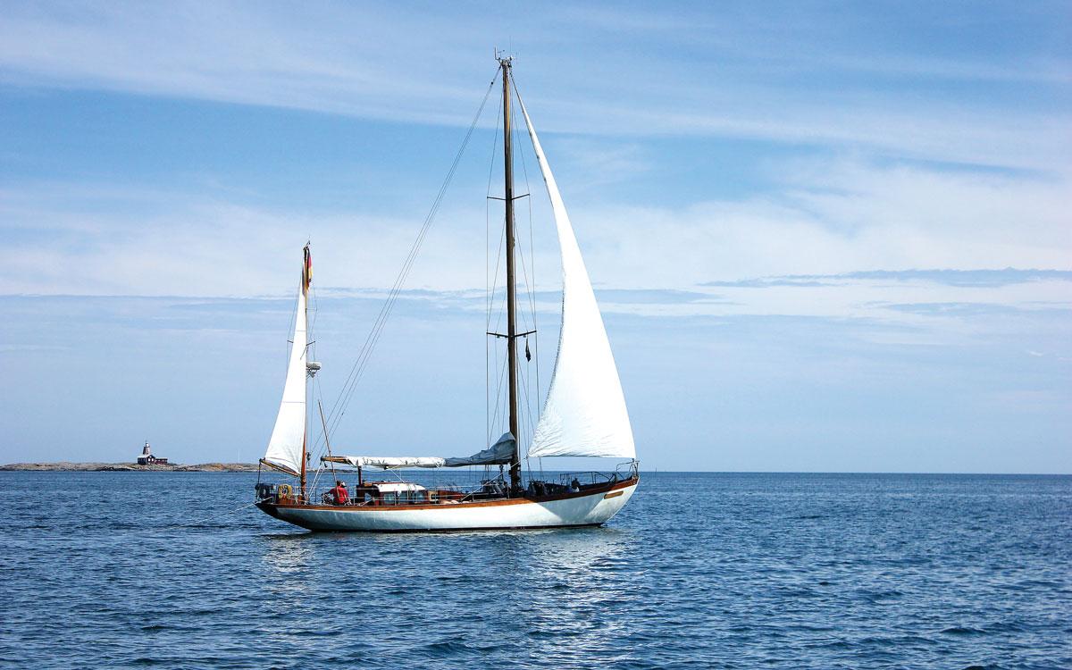 Roland-von-Bremen-classic-sailing-ketch-credit-Tom-Cunliffe