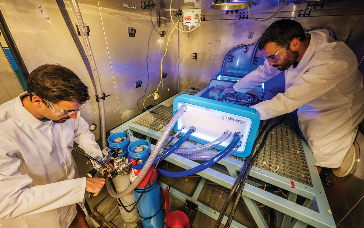 hydrogen-fuel-cells-yachts-installation-credit-Gilles-Delacuvellerie