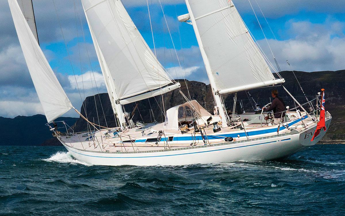 swan-65-evrika-2023-ocean-globe-race-aft-running-shot-credit-Sophie-Dingwall