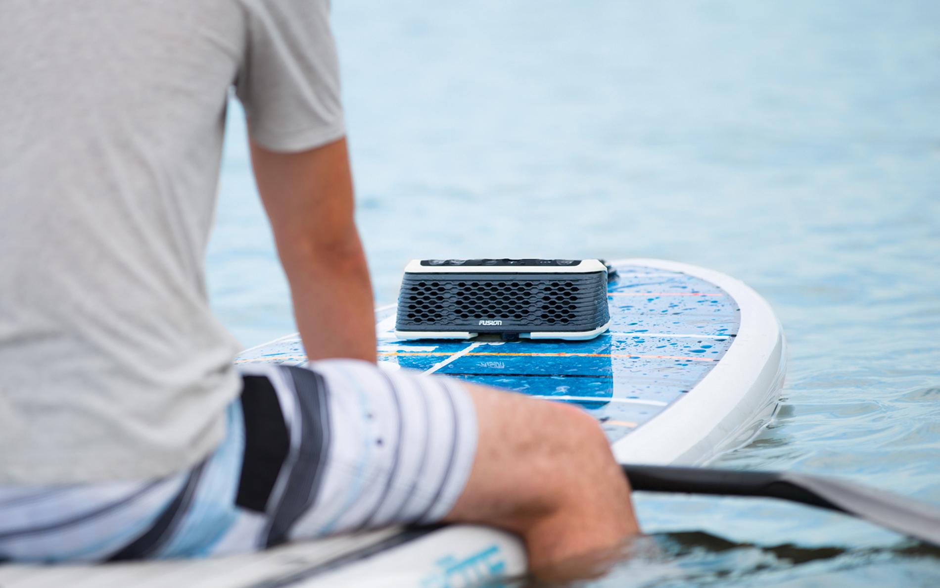 Fusion-stereoactive-review-waterproof-speaker-hero