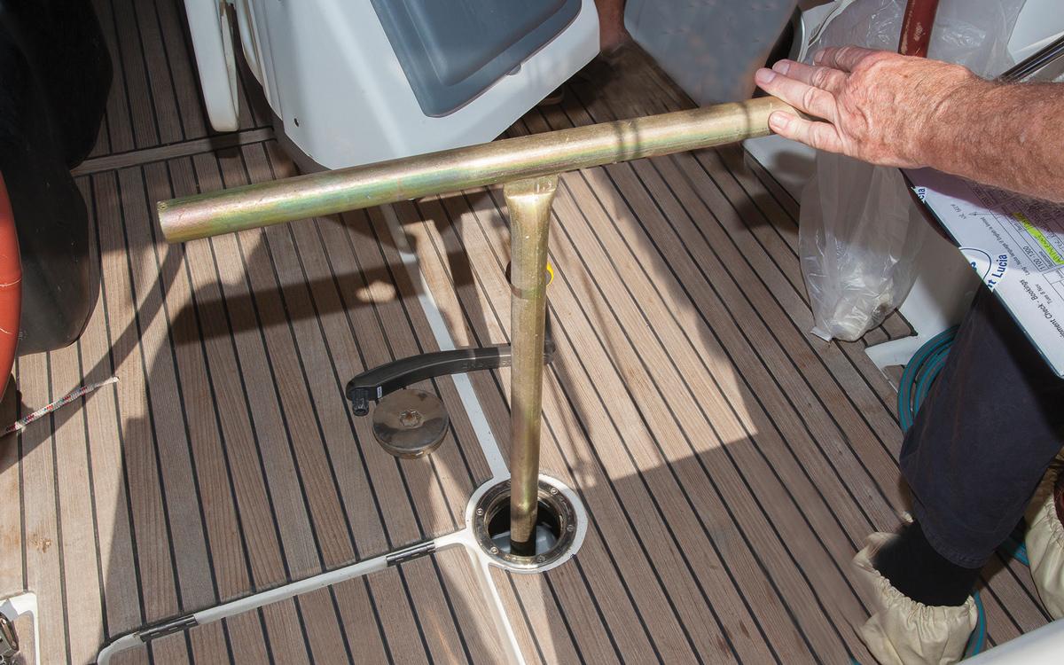 emergency-steering-repair-atlantic-crossing-tiller-credit-world-cruising-club