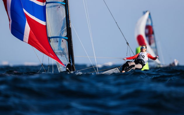 Women's Olympic sailing skiff action