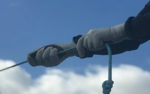 Best-winter-sailing-gloves-buying-guide-Featured-image-