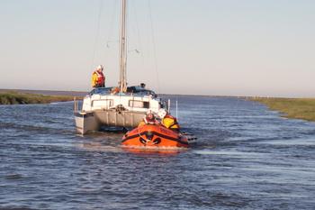 catamaran towed