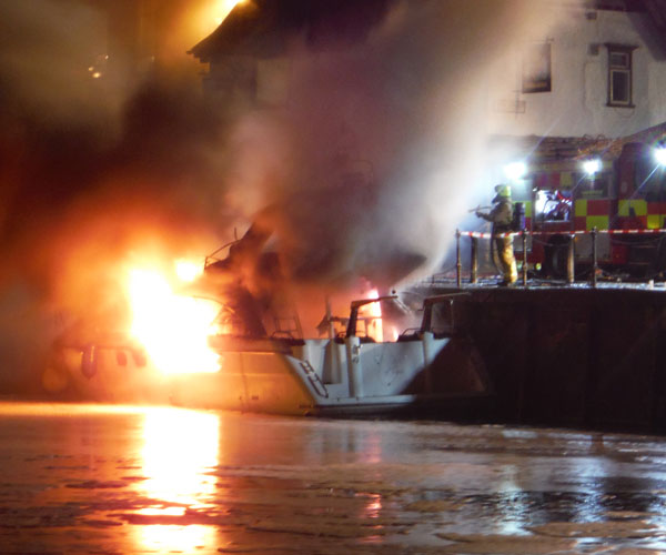 Boat fire in York