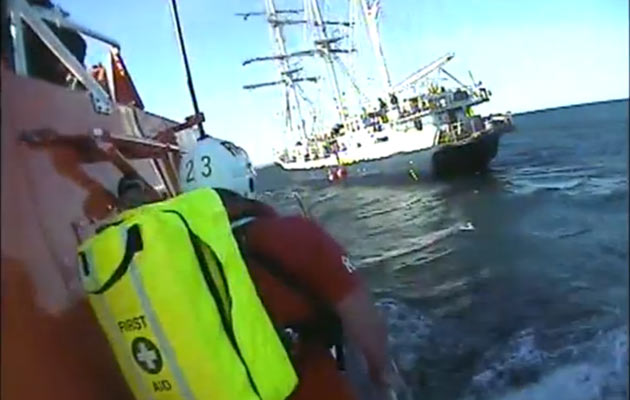 Tenby Lifeboat approaches Lord Nelson