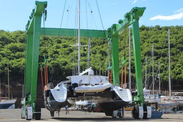 the hulk boat lift lifts 35ft beam catamaran