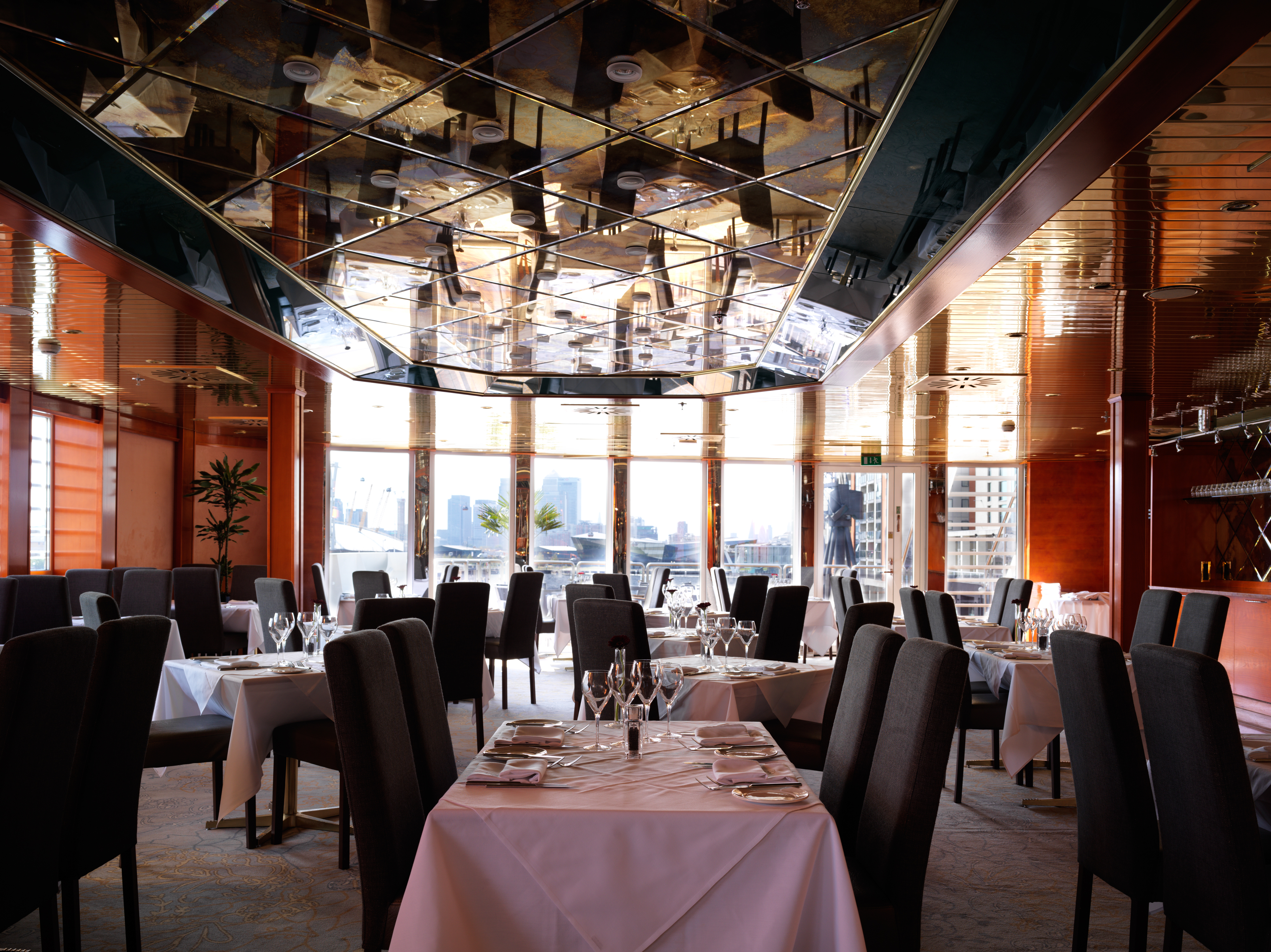 All aboard the sunborn yacht hotel london ybw for Best private dining rooms central london