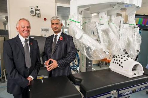Sunseeker Robert Braithwaite at Poole Hospital with surgeon who treated him